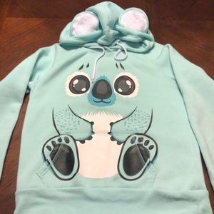 Adorable pullover.